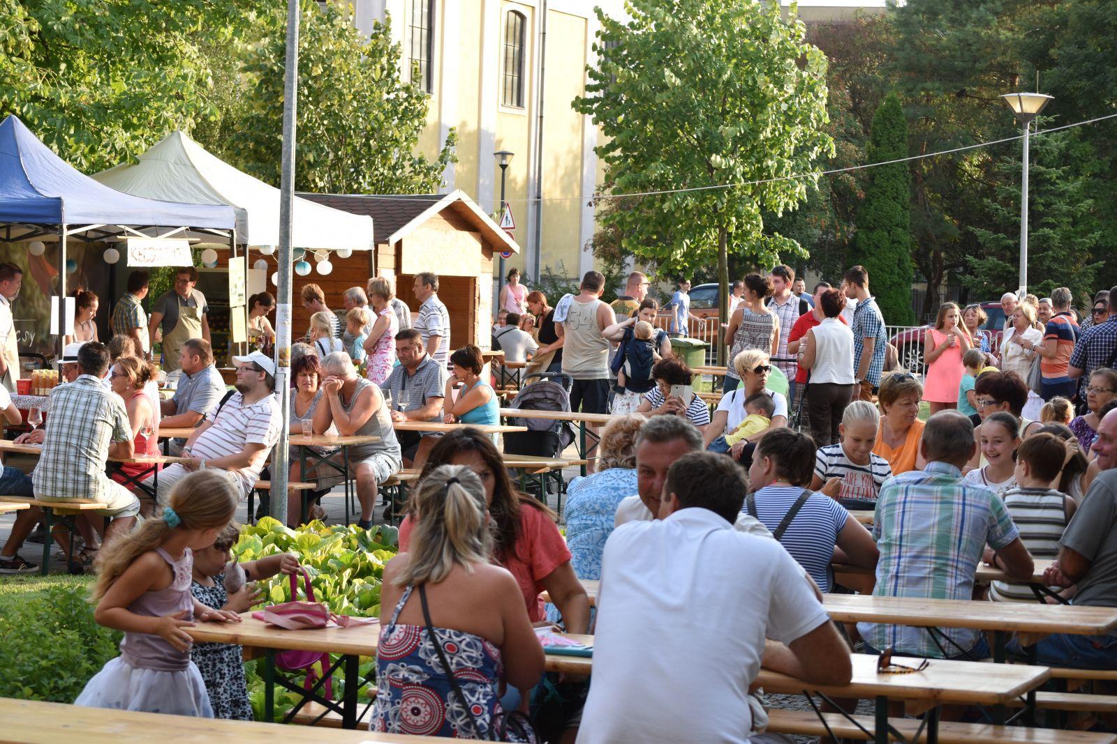 Sikerrel mutatkozott be városunk új programja a FröccsSzombat
