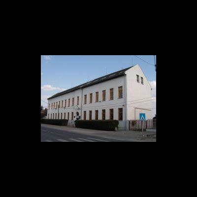 Két monori iskola energiahatékonyságot célzó felújítása kezdődhet meg