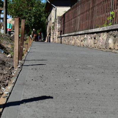 2019-ben is folytatódik a járdaépítés Monoron