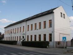 Két monori iskola energiahatékonyságot célzó felújítása kezdődhet meg a közeljövőben