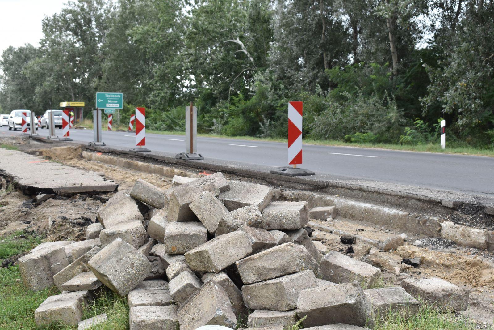 Felújítási munkák miatt korlátozások a 4-es főúton