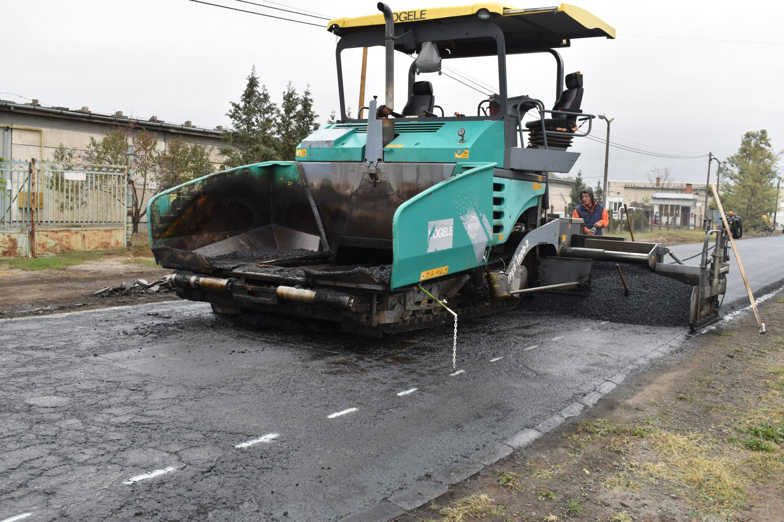 Pénteken kezdik meg a Móricz Zsigmond utca aszfaltozását