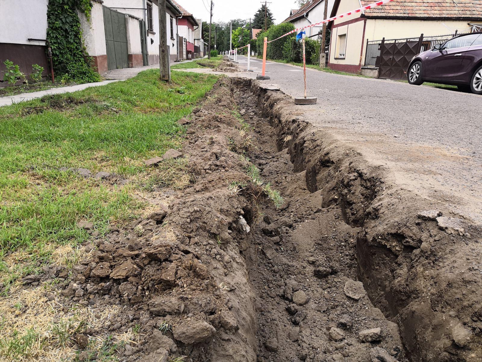 Elkezdődött az Acsádi utca felújítása