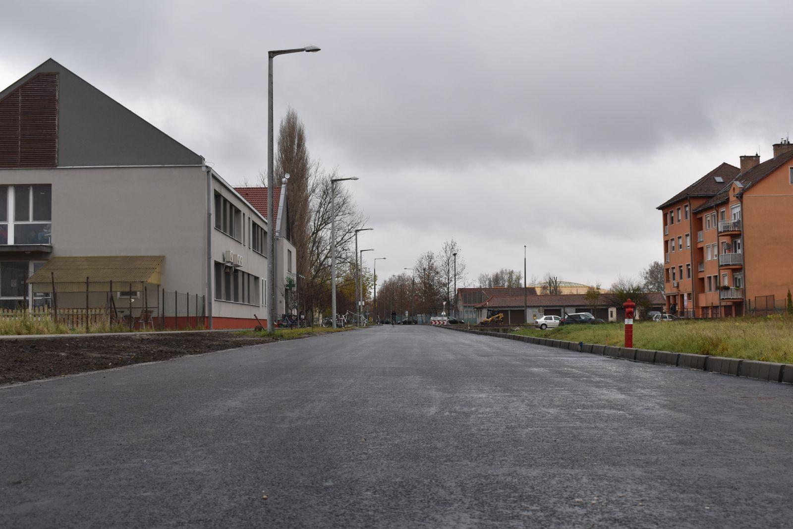 Még idén birtokba vehetik a közlekedők a Balassi Bálint utca új szakaszát