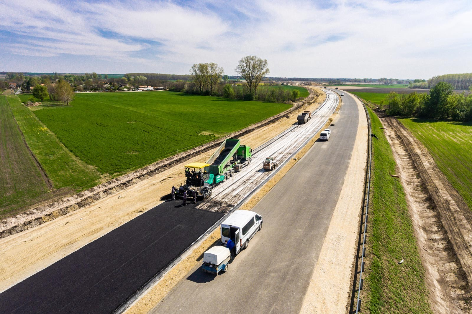 Látványos szakaszához érkezik az M4-es gyorsforgalmi út építése