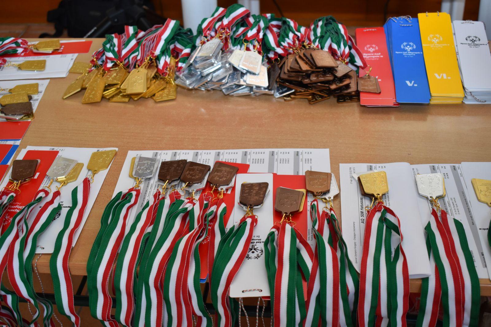 Fogyatékkal élők részére szerveztek országos úszóversenyt Monoron