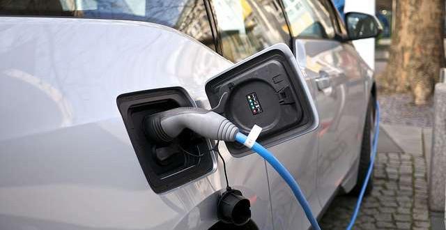 Jelentős támogatásból épülnek elektromos autó töltőállomások Monoron