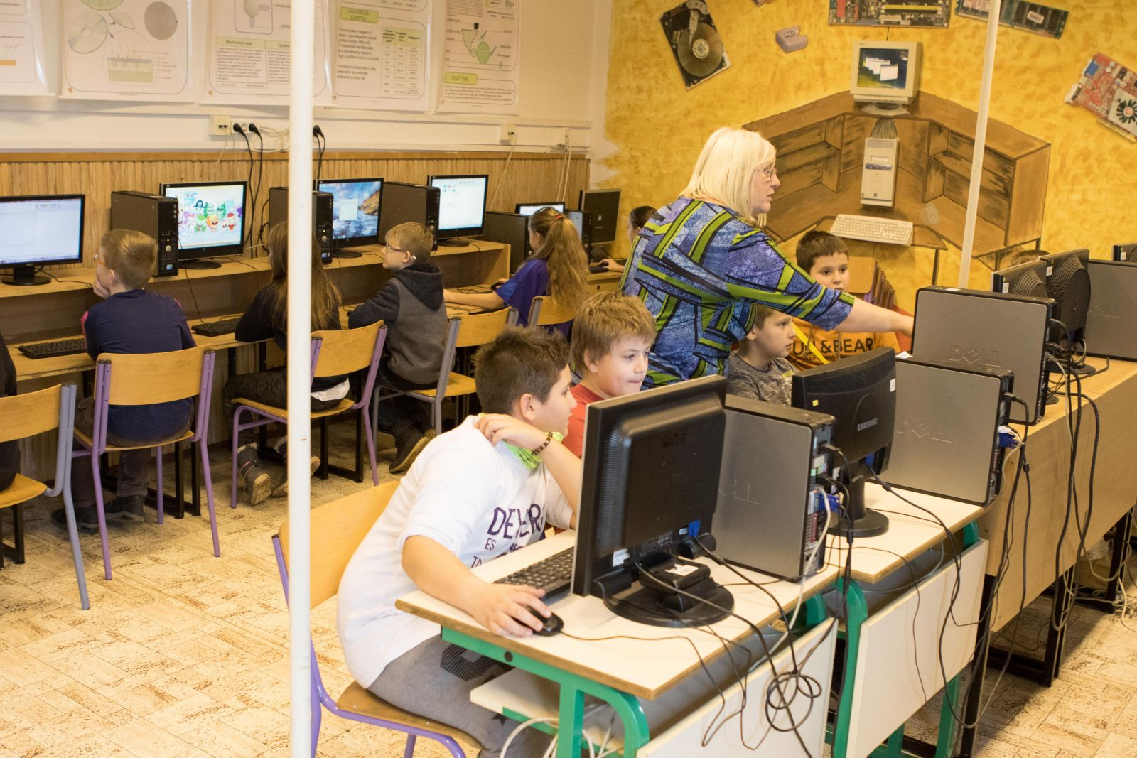 Informatikai fejlesztés a Monori Tankerületi Központ intézményeiben