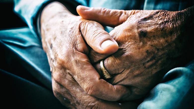 Fontos, hogy az idősebbek otthon maradjanak!