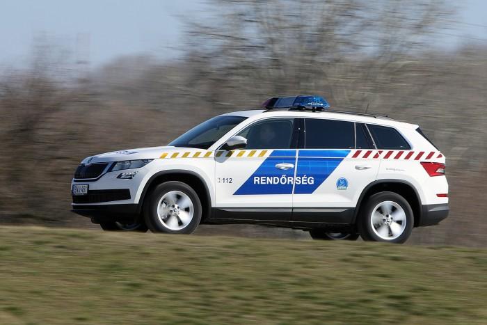 Új rendőrgépjármű segíti a Monori Rendőrkapitányság munkáját