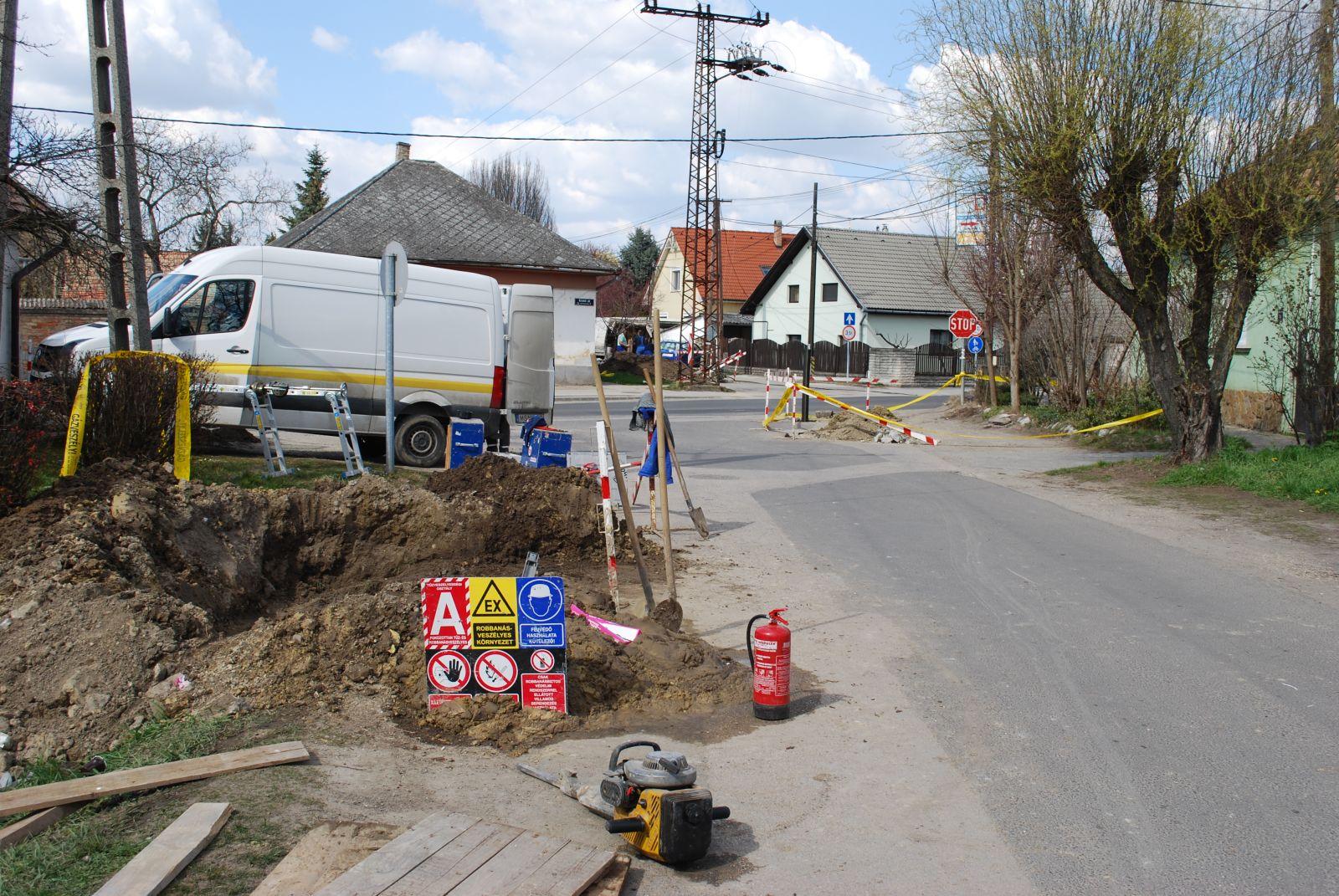 Gázszivárgás és ideiglenes forgalomkorlátozás a Kistói út-Dózsa György utca kereszteződésében