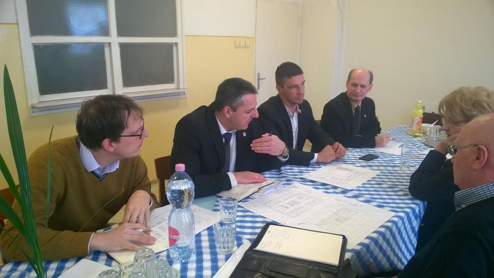 Folyamatosan zajlik az egyeztetés a Monori Szakorvosi Rendelőintézet felújításáról