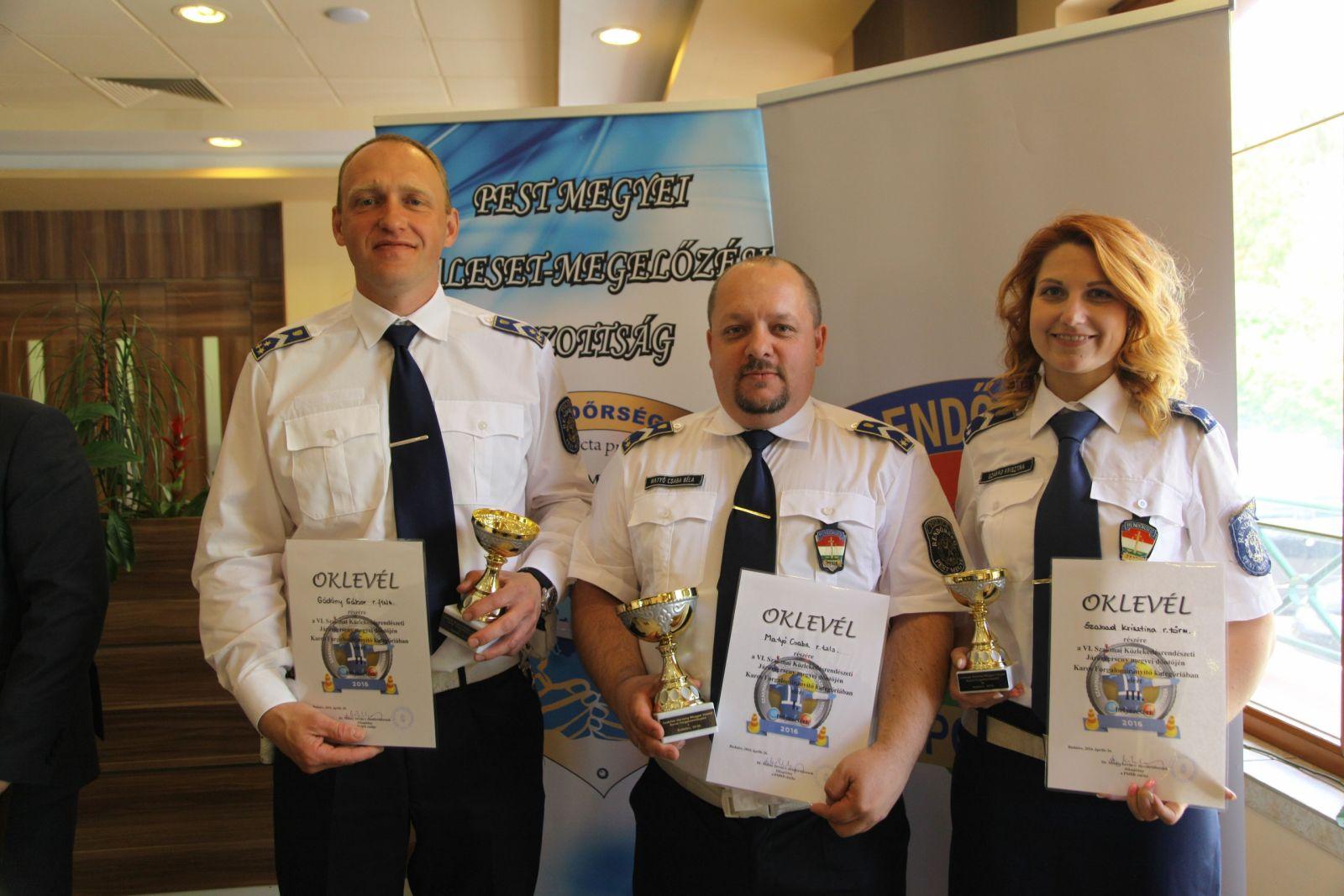 Sikeres hét a Monori Rendőrkapitányság életében: karos forgalomirányító verseny győzelem és sikeres pályázati munka