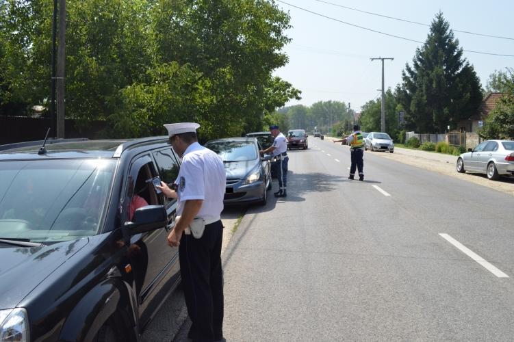 A balesetek visszaszorítása érdekében szondáztatnak a monori rendőrök