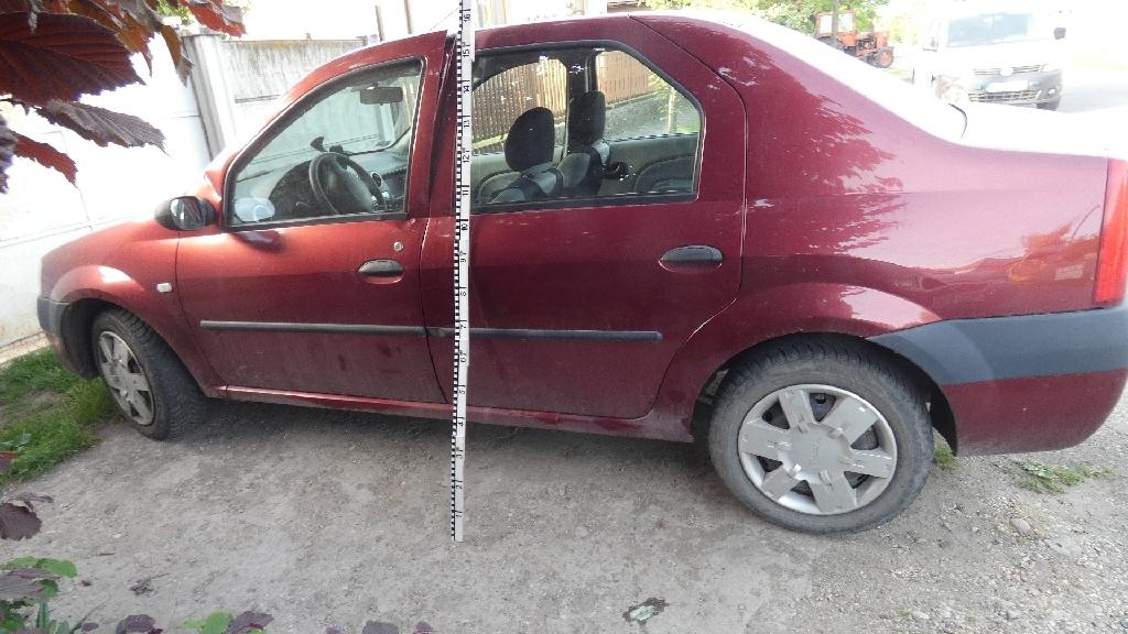 Hét gépkocsit törtek fel Monoron