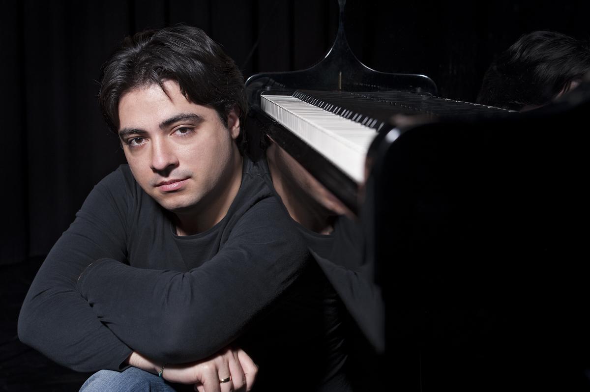 Nemzetközileg elismert zongorista érkezik Monorra