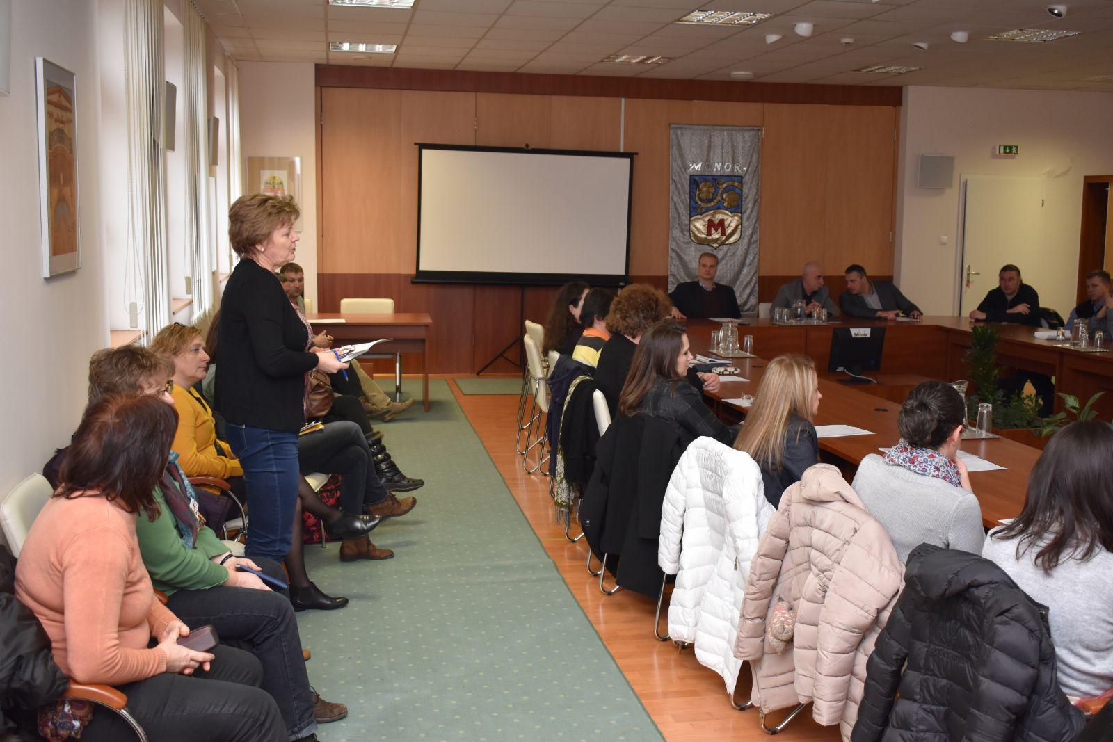 Gyermekvédelmi fórumot szervezett városunk önkormányzata