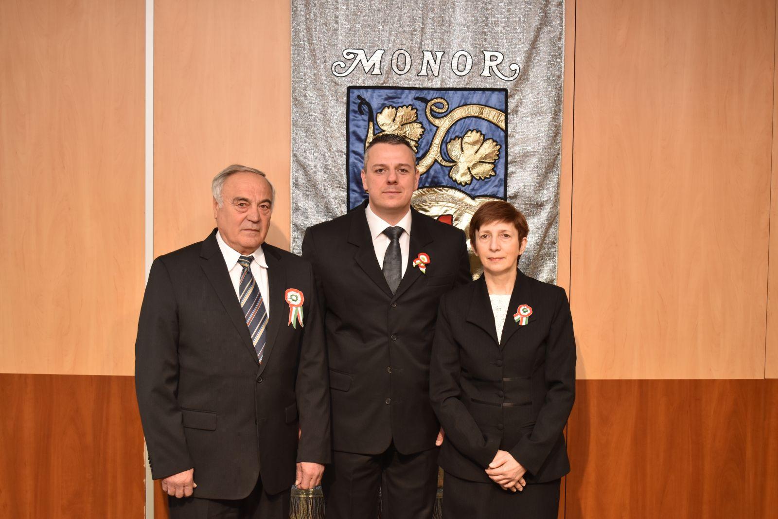 Méltó megemlékezés és a városi kitüntetések átadása a nemzeti ünnep alkalmából Monoron