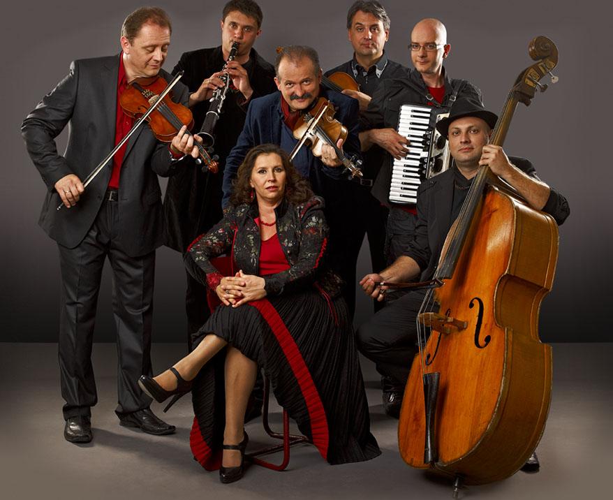 Jótékonysági koncert a Csík Zenekarral