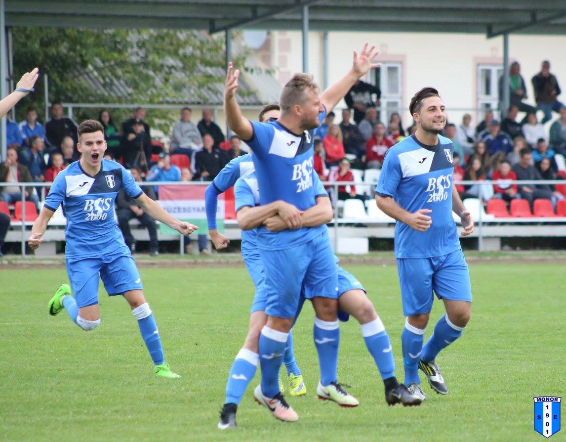Kettős sikert aratott férfi labdarúgó csapatunk