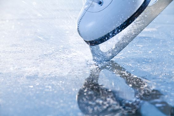 December első hetétől ismét szervezett korcsolyaoktatás a monori iskolásoknak és óvodásoknak!